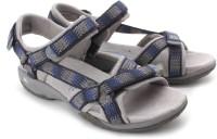 Clarks Isna Leaf Casual Sandals: Sandal