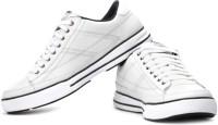 Skechers Arcade Sneakers: Shoe